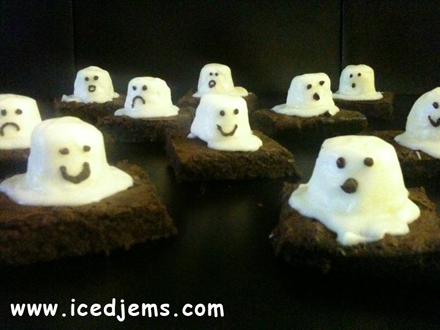Halloween Brownie Ghosts