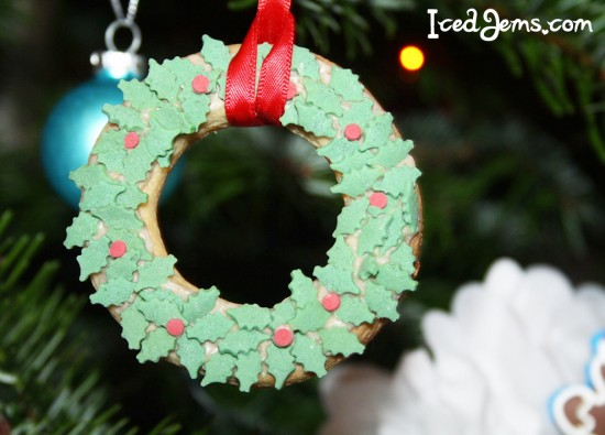 Holly Wreath Cookie Decorations