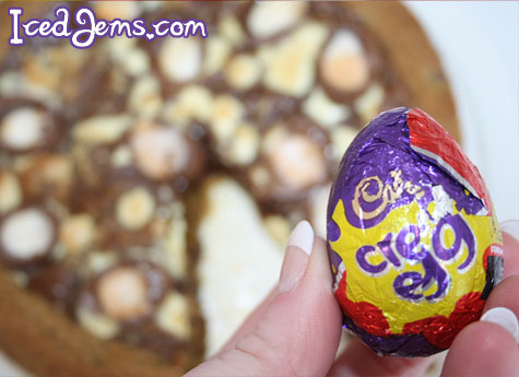 Creme Egg Cookie Pizza